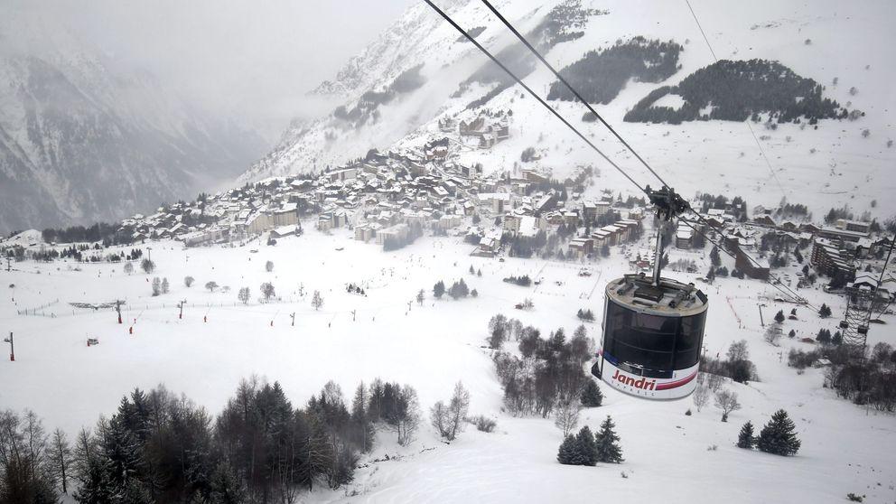 Un niño sobrevive tras una hora sepultado en una avalancha en los Alpes