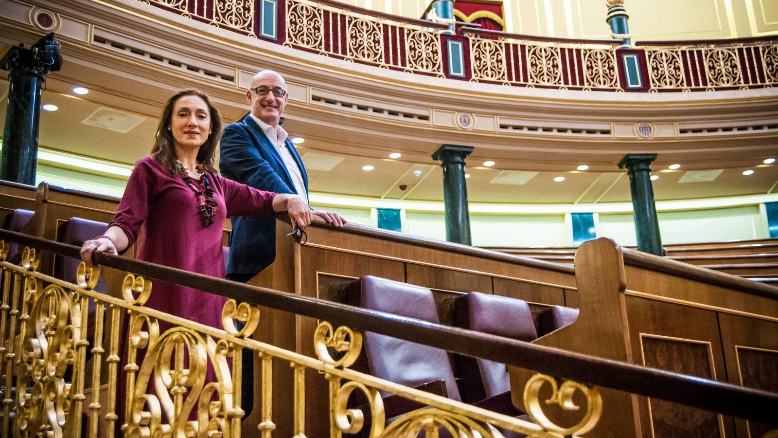 Foto: Rosana Pastor (Podemos) y Félix Álvarez (Ciudadanos), actores y diputados. (Carmen Castellón)