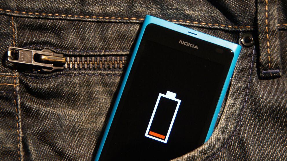 Veinte trucos para alargar la batería de tu 'smartphone'