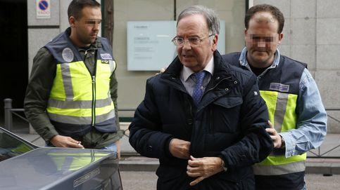 Caixa y Sabadell hablaron 8 veces con Manos Limpias y Ausbanc para salvar a la Infanta