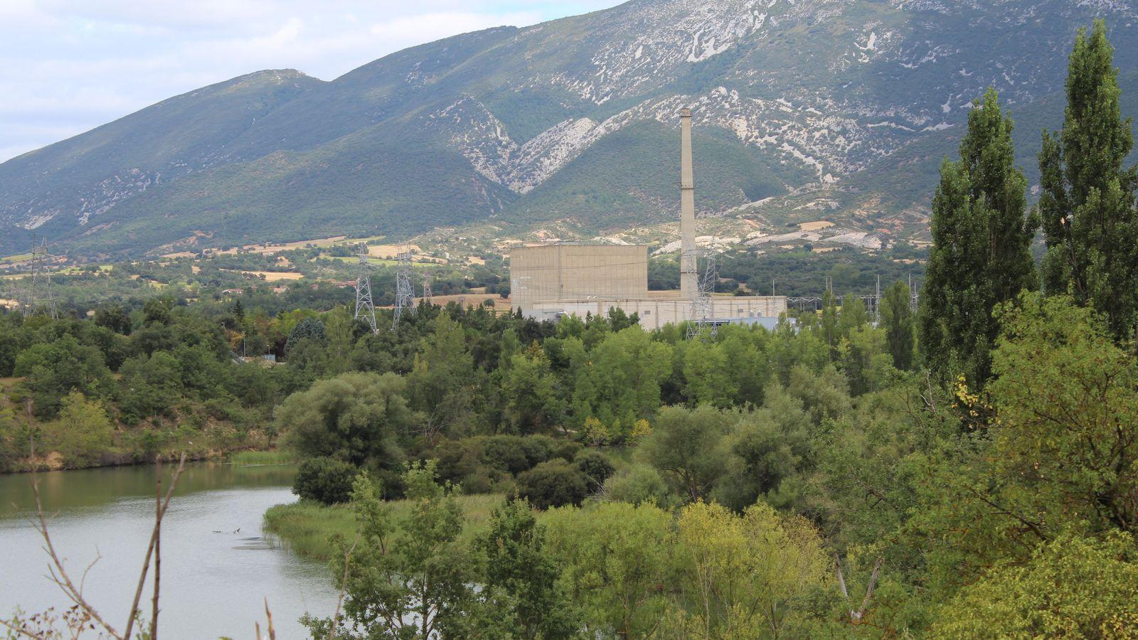 Foto: La central nuclear de Santa María de Garoña, ubicada junto al río Ebro en el municipio burgalés de Valle de Tobalina.