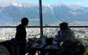 Un desayuno especial desde el trampolín de saltos en Innsbruck