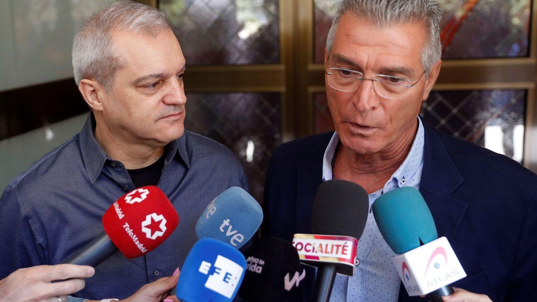 Ramón García y el humorista Manuel Sarriá. (EFE)
