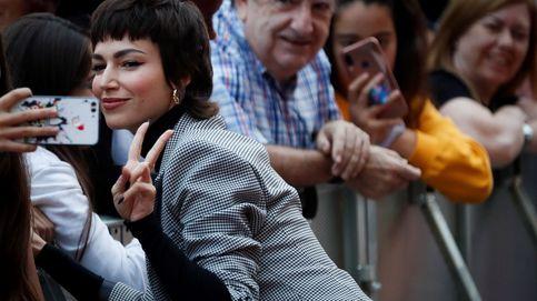 Úrsula Corberó estrena manicura XXL y saca las uñas a lo Rosalía