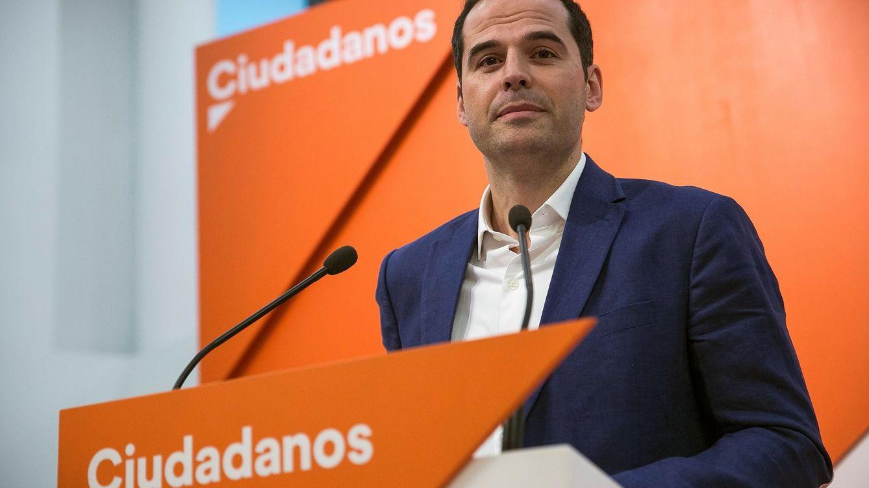 Ciudadanos exige la dimisión de Cifuentes y reclama al PP un candidato alternativo