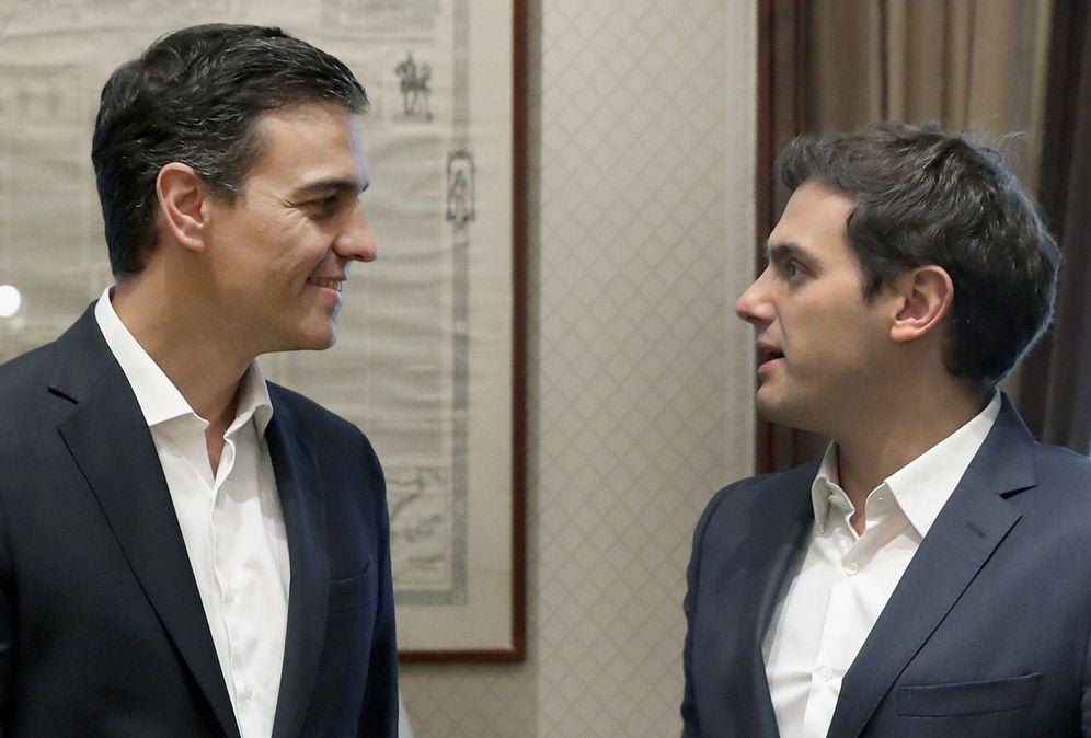Foto: Pedro Sánchez y Albert Rivera, durante su reunión en el Congreso del pasado 28 de junio. (EFE)