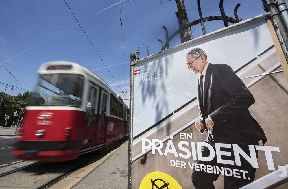 Foto: Cartel electoral de Alexander Van der Bellen en Viena. (EFE)