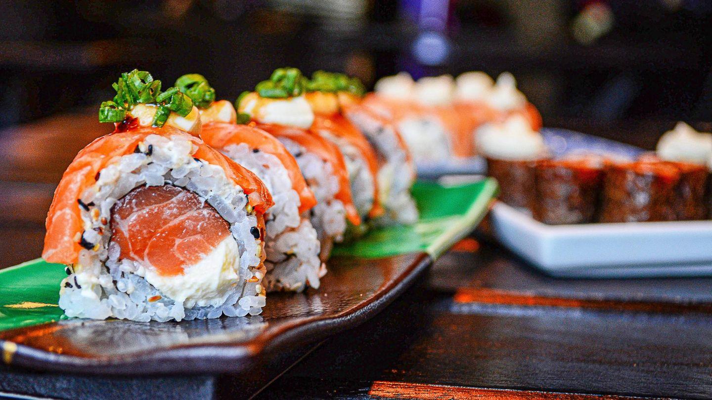 Adelgazar comiendo sushi. (Vinicius Benedit para Unsplash)
