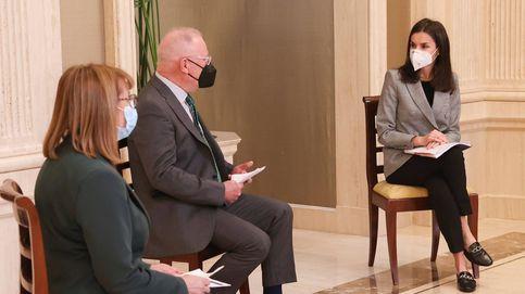 Segundo estreno del año para Letizia: una americana de Carolina Herrera de rebajas