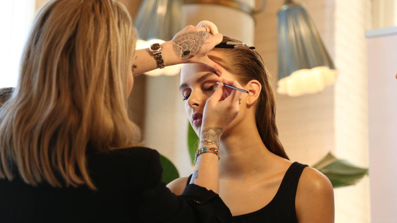 Sarah Tanno nos muestra las últimas tendencias en maquillaje.