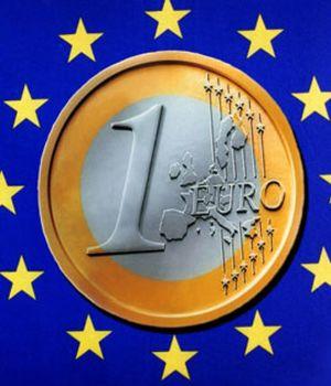 El euro baja hasta los 1,3752 dólares y el Brent  baja hasta los 108 dólares