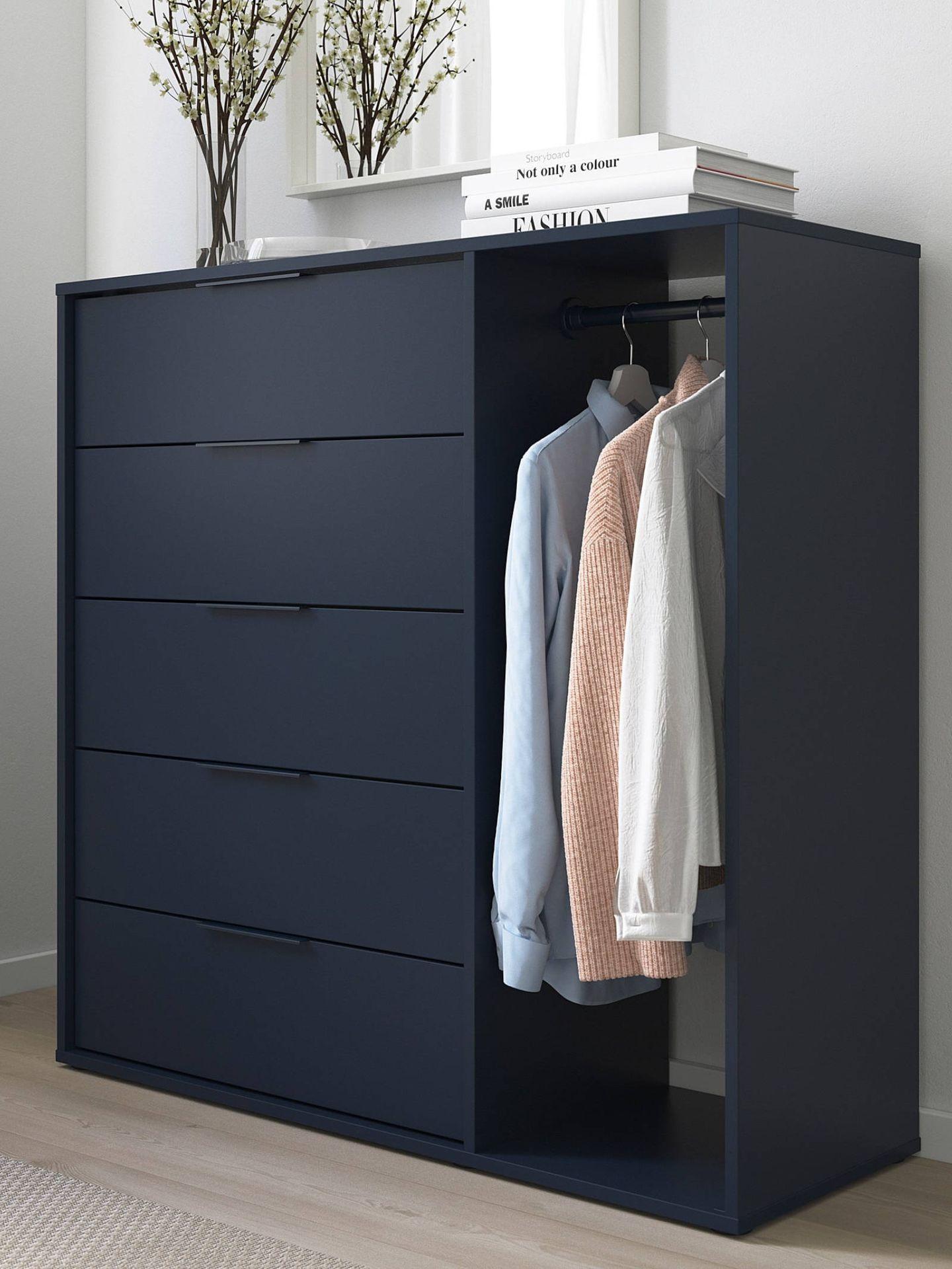 Esta cómoda de Ikea es perfecta para un dormitorio pequeño. (Cortesía)
