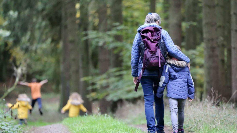 Enseñemos a los niños a respetar la naturaleza (Unsplash @jule42)