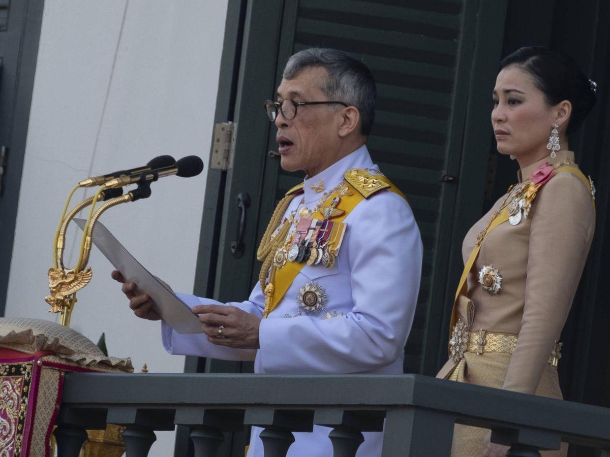 Foto: El rey de Tailandia, con su mujer, la reina Suthida. (Getty)