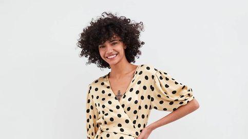 Zara tiene el vestido perfecto para chicas curvys