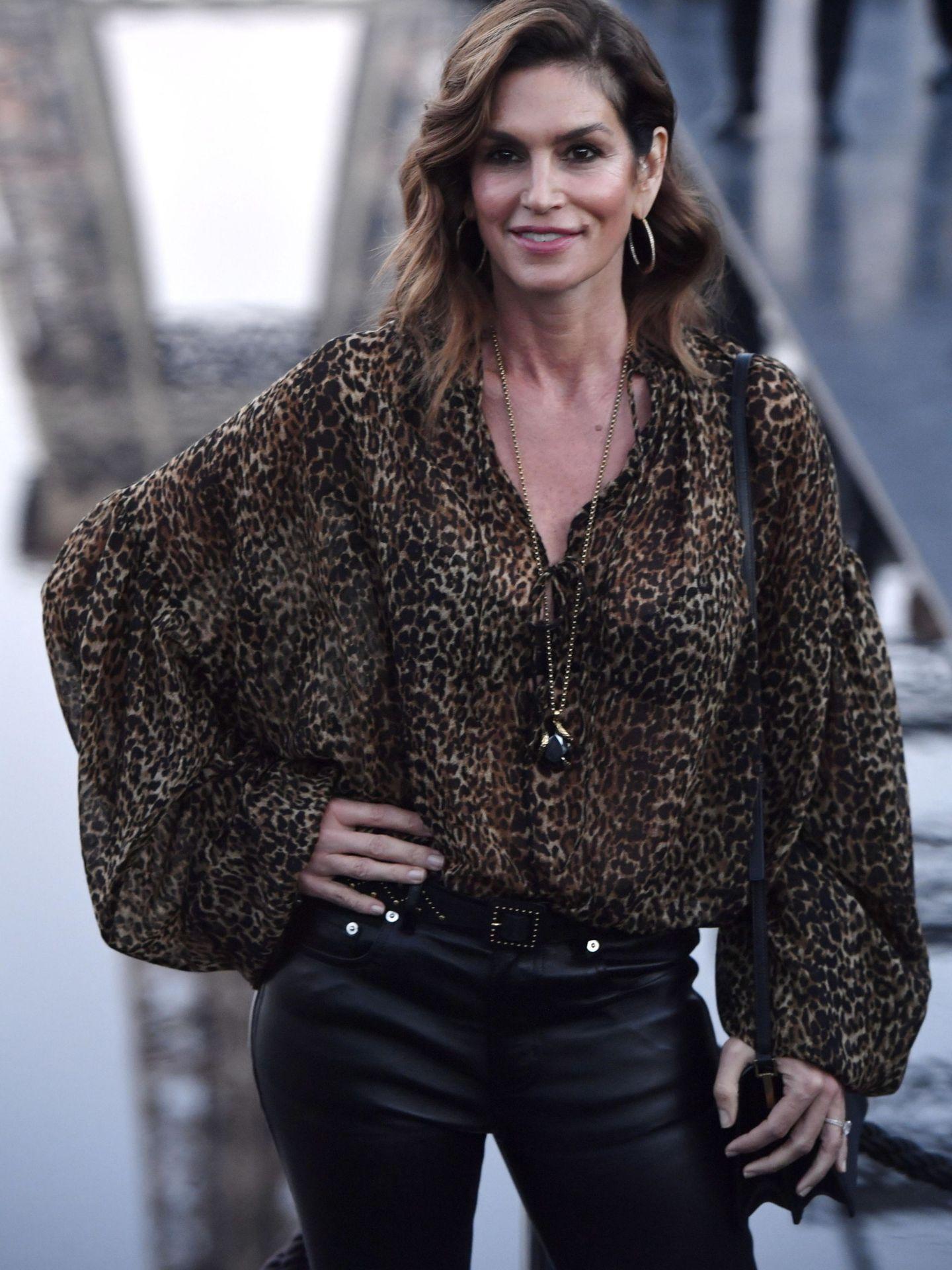 Cindy Crawford sigue siendo un referente de estilo a sus 52 años. (EFE)