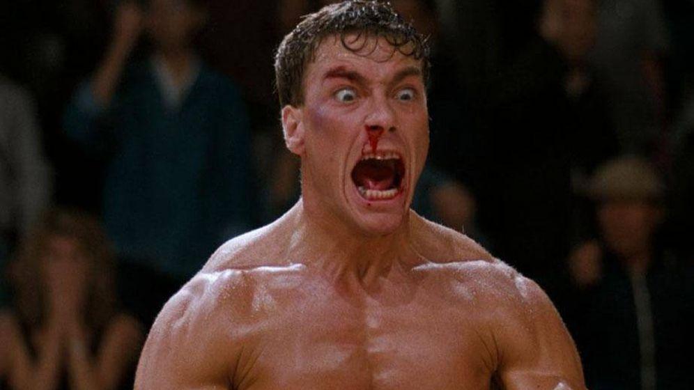 Foto: Jean Claude Van Damme sangra por la nariz en un fotograma de la película 'Contacto sangriento'.