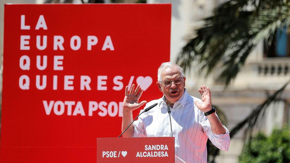 Foto: El cabeza de lista del psoe a las elecciones europeas, josep borrell participa en un acto en valència