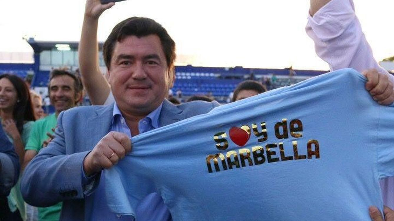 Foto: Alexander con una camiseta de 'Soy de Marbella' (Vanitatis)