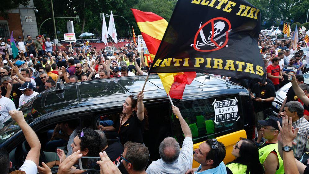 Foto: Protesta del sector del taxi en Madrid. (EFE)