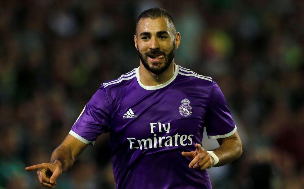 Foto: Benzema volvió a marcar en el Villamarín (Marcelo del Pozo/Reuters).