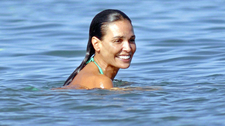 La modelo y actriz Inés Sastre, este verano en Sotogrande. (Gtres)