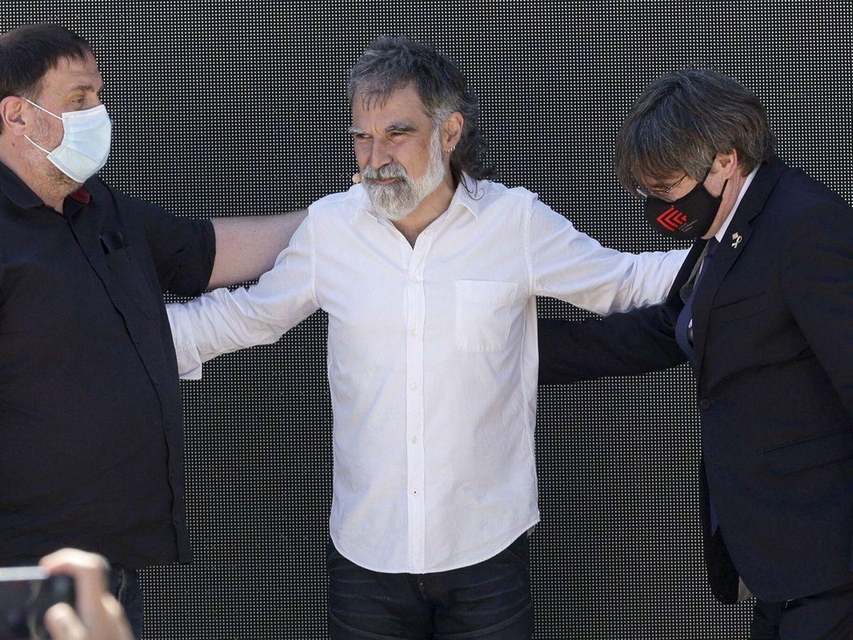 Foto: Oriol Junqueras, Jordi Cuixart y Carles Puigdemont. (EFE)