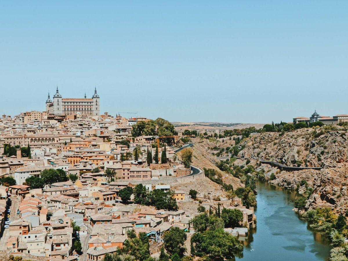 Foto: Toledo es uno de nuestros destinos baratos cerca de Madrid. (Wei Hunang para Unsplash)