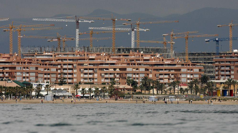 Foto: Bloque de viviendas en construcción en Valencia. (Reuters)