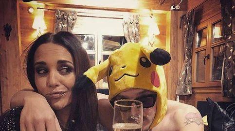 Paula Echevarría: champán, lentejuelas y un pikachu semidesnudo