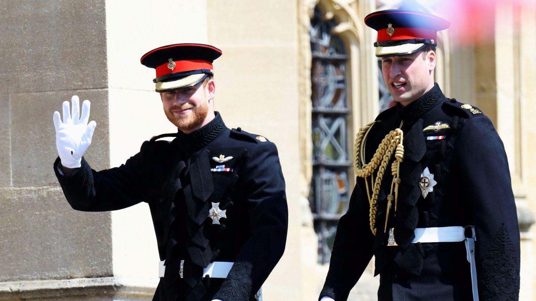 Harry y Guillermo, en la boda del primero.  (Reuters)