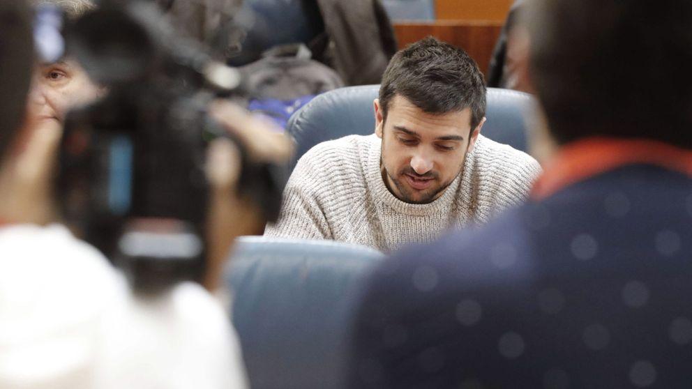 Espinar mantiene su candidatura y pide el voto contra la ofensiva del poder