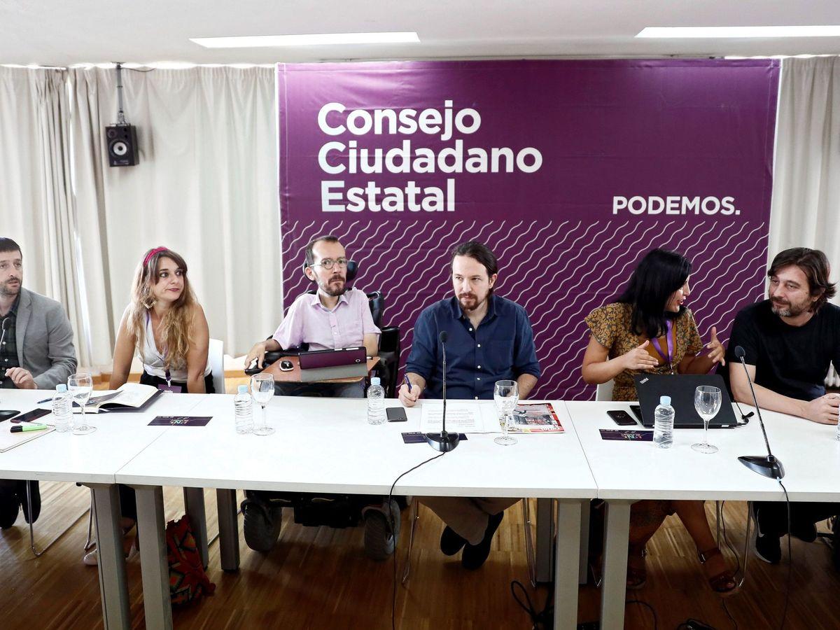 Foto: El líder de Podemos, Pablo Iglesias (3d), junto a Pablo Echenique, Idoia Villanueva y Rafa Mayoral, durante la celebración de un Consejo Ciudadano Estatal. (EFE)