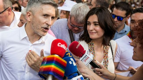 Marlaska y Montón, los primeros ministros en encabezar la marcha del Orgullo