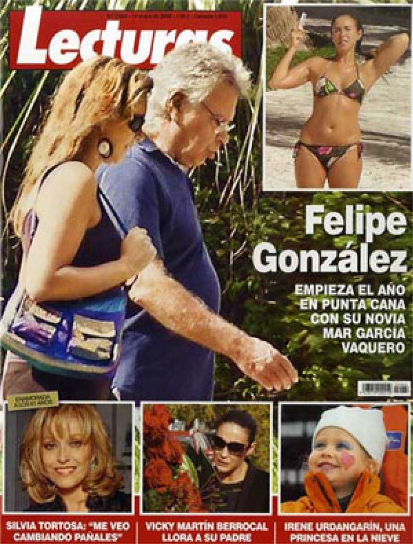 Foto: Felipe González ejerce de enfermero de su novia
