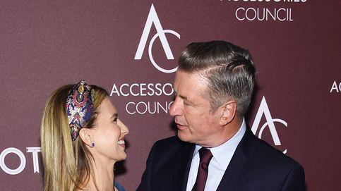 Alec Baldwin defiende a su esposa Hilaria tras ser acusada de fingir su nacionalidad española