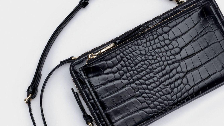 Mitad bandolera, mitad cartera: el nuevo y sorprendente bolso de Parfois