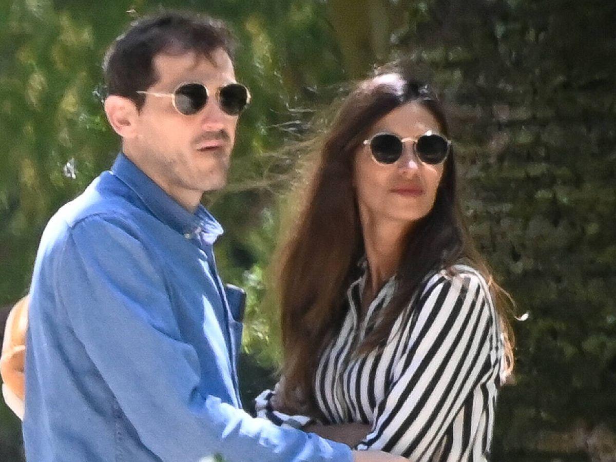 Foto: Iker Casillas y Sara Carbonero, en una imagen de archivo en Oporto. (Gtres)