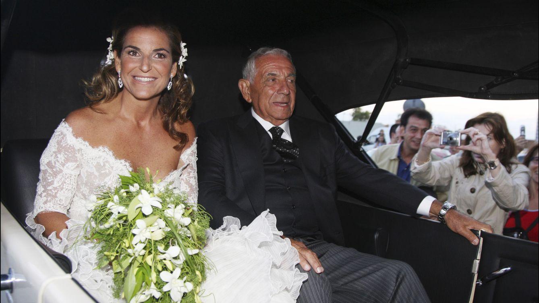 Foto: Arantxa Sánchez Vicario y su padre, Emilio Sánchez, el día de su boda (Gtres)