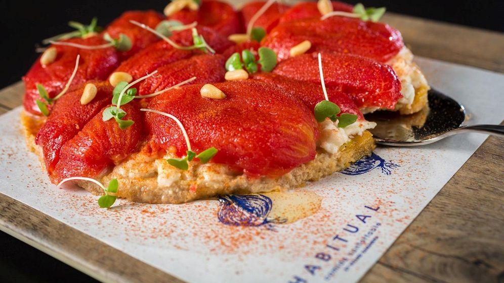 Foto: Habitual. Tarta de tomate y pera confitada