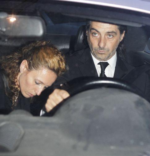 Jaime Ostos Jr. y Yolanda García Cereceda en el funeral de Luis Gª Cereceda. (Gtres)