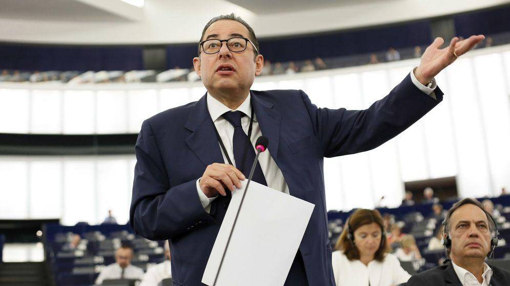 Foto: Gianni Pittella durante un debate sobre migración en el Parlamento Europeo, en junio de 2016 (EFE)