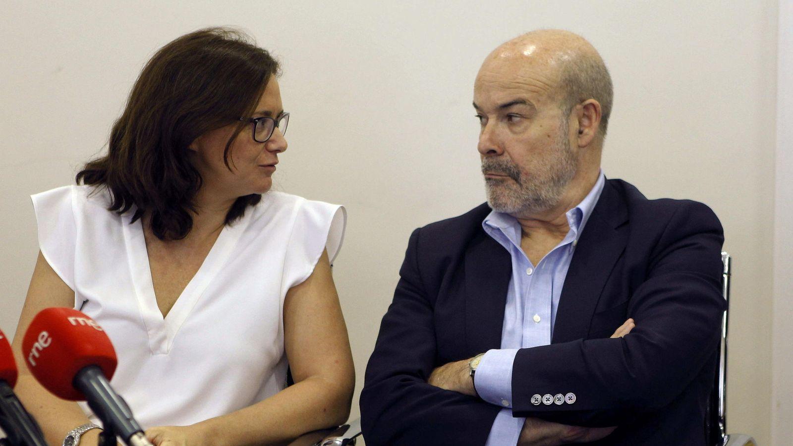 Foto: El presidente de la Academia de Cine, Antonio Resines, y la directora general del ICAA, Lorena González (EFE)