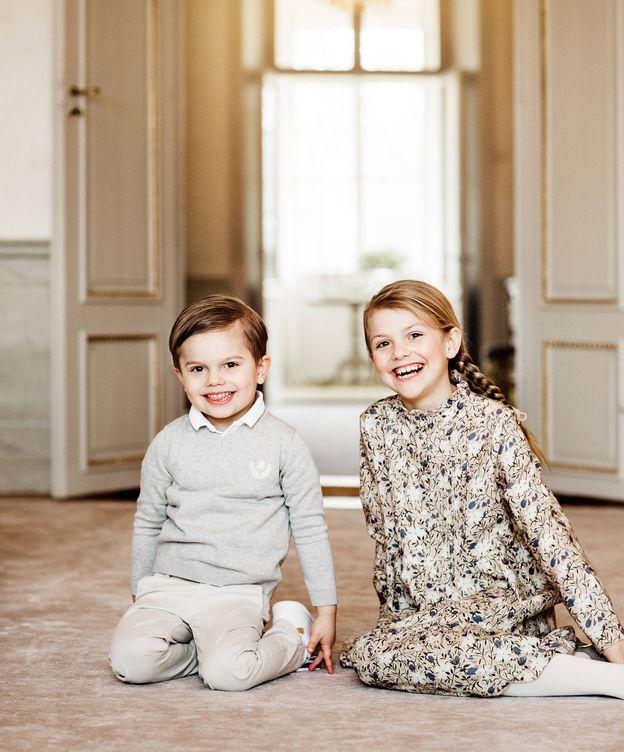 Foto:  Estelle de Suecia y su hermano. (Foto  Linda Broström, Kungahuset)