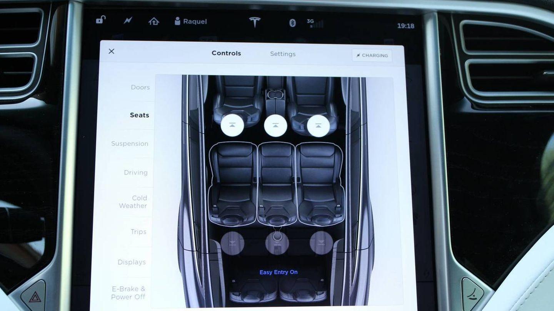 La pantalla de 17'' desde la que se controla todo en el Tesla Model X.