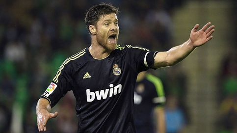 Xabi Alonso nunca dio un paso en falso, tampoco en su adiós al fútbol