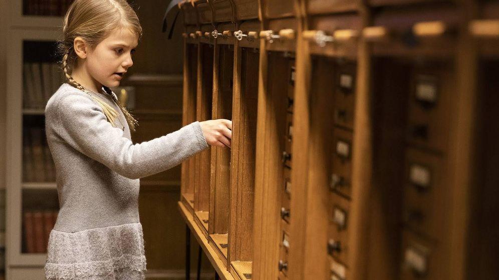 Foto:  La princesa Estelle en la biblioteca Bernadotte. (Kungahuset)