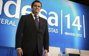 Enel 'ordeña' a Endesa: megadividendo extra de 5.000 millones antes de la OPV
