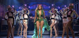 Post de Hablemos de los lookazos de JLo en 'Saturday Night Live'