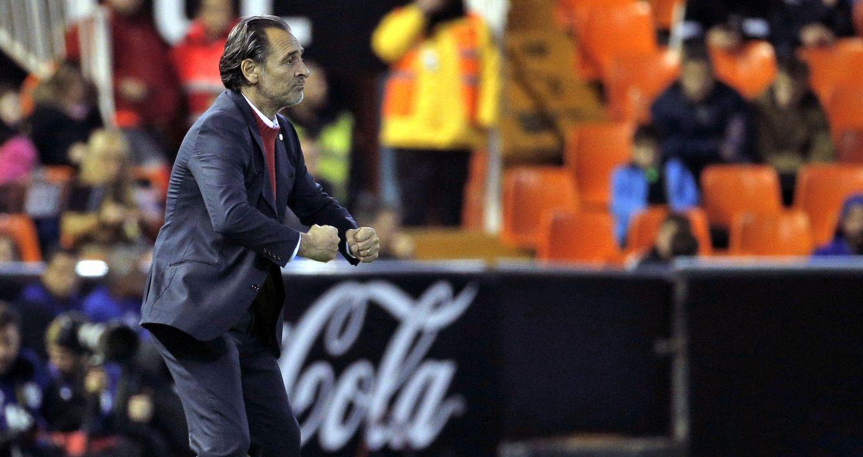 Foto: Cesare Prandelli se marcha del Valencia harto de tantas mentiras de la propiedad. (EFE)